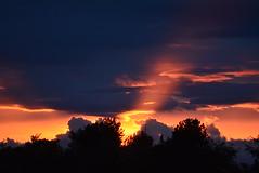 SUN RAY (RON1EEY) Tags: sunset summer moon bike cat scotland jets fullmoon lunar sunray jettrails sunsun jetengines sunsetscotland