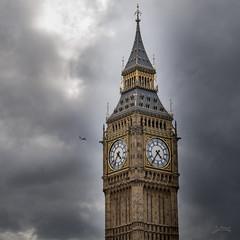Big Ben (PauliMatze) Tags: uk england london tower clock bell aircraft bigben turm flugzeug uhr glockenturm