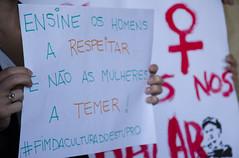 """ Ensine os homens a respeitar e no as mulheres a temer! "" (SamNeves1993) Tags: brazil woman brasil avenida women mulher rape sp brazilian feminism mulheres paulista feminismo manifestao feminista temer patriarcado estupro"