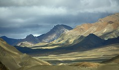 The Tsibri mountain range, Tibet 2015 (reurinkjan) Tags: tar aftersunset 2015 tibetautonomousregion tsang  tibetanplateaubtogang tibet himalayamountains dingricounty natureofphenomenachoskyidbyings landscapesceneryrichuyulljongsrichuynjong naturerangbyungrangjung landscapepictureyulljongsrimoynjongrimo himalaya landscapeyulljongsynjong himalayamtrangerigyhimalaya earthandwaternaturalenvironmentsachu himalayasrigangchen tibetanlandscapepicture janreurink  tsibrimountainrange