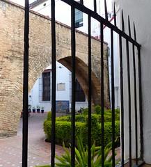 Sville, Andalousie (Marie-Hlne Cingal) Tags: espaa sevilla andaluca iron espagne sville fer andalousie