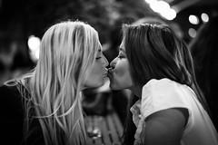 black-blond kiss (Winfried Veil) Tags: leica blackandwhite bw girl 50mm kiss veil sweden stockholm schweden rangefinder blond sw sverige summilux asph mdchen winfried profil kuss m9 2011 schwarzweis messsucher mobilew leicam9 winfriedveil
