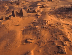 Meroe Archaeological Site VIII - R46038m (opaxir) Tags: archaeology pyramid sudan aerial kap nubia kush meroe meroitic