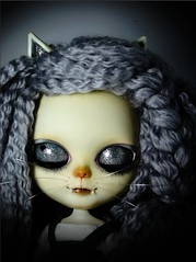 cat3 (MissHyperHands^0^Custom Maniac^0^) Tags: cute japan cat eyes kitten doll dolls hand unique painted lips chips mohair only customized blythe custom maniac lovly rerooted