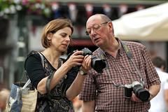Evaluation (Mark A.H.) Tags: camera holland netherlands europa europe fotograf photographer candid nederland holanda paysbas fotgrafo kamera olanda camra fotografo macchinafotografica niederlande photographe cmara hollande fotograaf pasesbajos paesibassi