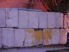 Bricks with Yellow Paint (Rosiecat_LLF) Tags: summer urban chicago love do all it grittiness i july12012
