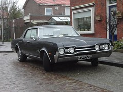 Oldsmobile Cutlass V8 27-9-1968 89-77-ER (Fuego 81) Tags: 1968 v8 oldsmobile cutlass ocar cwodlp 8977er