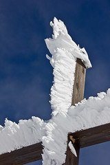 Wind Sculptures (Nataraj Metz) Tags: schnee winter mountain snow alps ice canon austria sterreich europa europe berge alpen eis glace gebirge gipfelkreuz vorarlberg kleinwalsertal riezlern ifen summitcross hoherifen allgueralpen alpmountains hahnenkpfle eos550d eosrebelt2i tamron18270mmf3563diiivcpzd croixsommitale croixdesommet