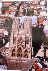 Catedral de Notre -Dame, su construccion se llevo acabo entre los siglos 12 y 14, y el proyecto es de Maurice de Sully. (A.C. Amigos Diplomticos) Tags: fotosdefrancia