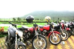 Group (Yazed Lord) Tags: fun ride roadtrip riding yamaha ghats ghat croup rd350 malshej