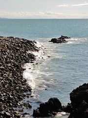 Waves Hitting the Rocks (Jani Helle) Tags: coast scotland waves portpatrick dumfriesandgalloway portphdraig september2011 mhws meanhighwatersprings