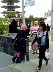 HANGING AROUND (Lulu Vision) Tags: sanfrancisco street people fashion festival style jpop harajukustyle