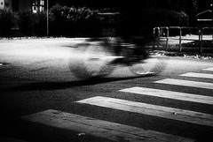 Day 302 - Night Rider (dennisdasfoto) Tags: blackandwhite bw oneaday bike bicycle night blackwhite nacht sweden schweden grain streetphotography photoaday sverige fahrrad natt pictureaday cykel svartvitt kristinehamn schwarzweis gatu project365 fahrradfahrer cyklist gatufoto gatufotografi strasenfotografie dt50mmf18sam