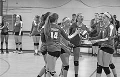 IMG_1085-01 (SJH Foto) Tags: school girls blackandwhite bw white black club high team teenagers teens volleyball cheer huddle tweens monocolour