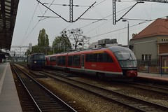 03.05.16 Wroclaw Gwny ET22-914 and DB 642.033 (philstephenrichards) Tags: poland db creativecommons deutschebahn wroclaw pkp attributionsharealike et22 pkpcargo class642