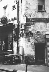 Just a corner in #Paris, from a different life (Oliver_D) Tags: street paris monochrome analog corner strasse nostalgia faded nostalgie schwarzweis