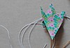 A-kiss-of-colour-diy-guirnalda-con-grullas-origami-25