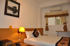 Guest Superior room.alt (hanoitouronline) Tags: halongbaytours traveltohanoi bookflightticket sapatrekkingtours booktrainticket hanoitoursinformation halongbayonalovacruises ninhbinhecotours hanoionedaytours halongbayonedaytours vietnamhoneymoontours hanoigolftours hanoivillagestours rentthecars