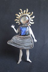 "brooch-object ""mini me"" ;) (vikafogallery) Tags:"
