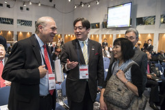 Angel Gurría talks with Osamu Yoshida and Yoshiyuki Kasai on Day 2 of the Annual Summit
