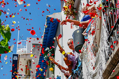 1 (Evita.D [vado e vengo]) Tags: españa petals spain traditional petali pilgrimage spagna rocío tradiciones processione petalos romeria tradizioni pj26131