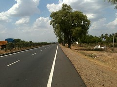 NH45 near Perambalur  in Tamil Nadu (Snap_me_more) Tags: india tree countryside highway indian tamilnadu southindia iphone indiancountryside nationalhighway nh45 indianhighway appleiphone indiacountryside tarmacroad roadsinindia iphone3gs villupuramdistrict nationalhighway45 roadsintamilnadu