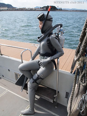 ReadyForDive0285 (mixnuts club) Tags: fetish scuba diving rubber diver wetsuit wetsuits frogwoman rubbersuits