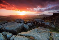 Curbar Sun - explored (John Underwood) Tags: uk sunset england landscape rocks derbyshire peakdistrict explore curbaredge explored johnunderwood canoneos650d
