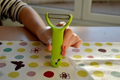 Notre couteau-suisse (Popotes au feu) Tags: cuillre ciseau couteau cassenoisette conome ouvrebote