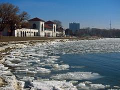 Ice Floes along Toronto Waterfront at Sunnyside Beach (Bobcatnorth) Tags: winter snow toronto ontario canada ice lakeontario sunnyside 2014 humberbay