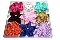 Flor de fuxico (Mimos e Balangandãs) Tags: flores lembrança handmade flor artesanato feitoàmão mimo fuxico presente cetim flordefuxico