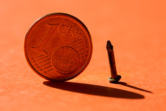 Changing - Smaller than a coin (Stefania Pascucci) Tags: coin nail changing hmm macromondays smallerthanacoin