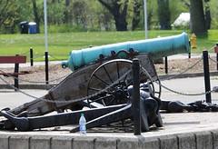 Howitzer (jmaxtours) Tags: toronto green bronze cannon artillery centreisland torontoontario torontoislands howitzer