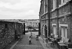 walking Derry (backpackphotography) Tags: ireland wall walk londonderry era northernireland archer derry wallwalk enzi backpackphotography