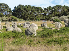 Carnac (m-g-c photographie) Tags: old france nature rock stone landscape roc photo brittany europe outdoor ngc bretagne breizh mgc rocher roche ancien alignment carnac dehors alignement menhir exterieur alignementdecarnac alignmentofcarnac