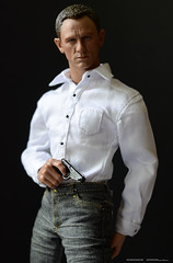 You'll never know what hit you (Odd Doll) Tags: actionfigure figure bond eleven spectre 007 jamesbond hottoys skyfall