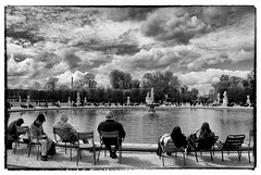 Paris : jardin des Tuileries 2 (version NB) (Babu l'binchou) Tags: france paris lesjardinsdestuileries nikond80 nikonaf18200vr silverefexpro2