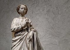 Angel of the Annunciation (Foto Blitz Color) Tags: newyork unitedstates us angeloftheannunciation metropolitanmuseumofart thecloisters angel gabriel italian sculpture art statue artwork medieval gesso stone