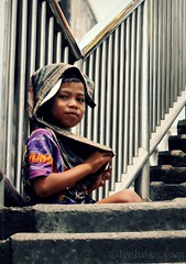Life will get better one day (lynhdan) Tags: poverty life street boy thailand asia southeastasia child bangkok beggar thai bkk pratunam krungthep streetthailand earthasia