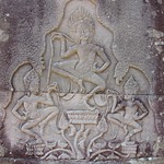 "Bas Relief at Bayon <a style=""margin-left:10px; font-size:0.8em;"" href=""http://www.flickr.com/photos/14315427@N00/6966997152/"" target=""_blank"">@flickr</a>"