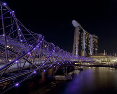 Purple Helix (karsten1605) Tags: bridge marina canon hotel bay singapore angle wide ii 5d helix 100 sands brcke singapur secs 832 expiso bestcapturesaoi elitegalleryaoi mygearandme mygearandmepremium mygearandmebronze mygearandmesilver mygearandmegold mygearandmeplatinum photographyforrecreation weitwinkelf