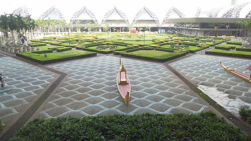 Airport Garden, Suvarnabhumi Airport, Ba by David McKelvey, on Flickr