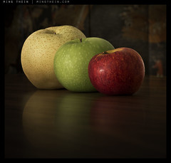 _8016610 copy (mingthein) Tags: life red green yellow fruit zeiss t still nikon bokeh availablelight carl apples makro ming planar 1002 2100 zf onn thein zf2 photohorologer mingtheincom d800e