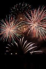 Concours d'Art Pyrotechnique - Bordeaux Fete le Vin 2012 5 (Val_tho) Tags: canon eos fireworks thomas bordeaux garonne canoneos feu artifice 2012 valadon sigma1850f28 1850mmf28 sigma1850mm28exdc 400d eos400d sigmaex1850mmf28 bordeauxfetelevin moskitom