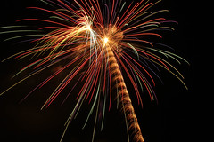 Free Explosion (Cameraman106) Tags: canon cool fireworks kitlens 1855 stocklens canont2i
