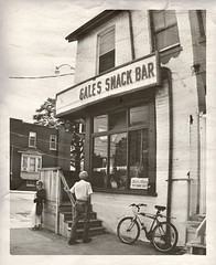 Gale's Snack Bar ~ Eastern Ave, Toronto (Sally E J Hunter) Tags: toronto diner gales luncheonette easternavenue carlaw galessnackbar