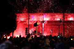 Pluie de pétard sur les allées Jean Jaurès (Ludwig von Matterhorn) Tags: france night rouge firework toulouse nuit feu artifice