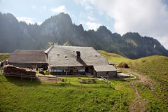 La Gruyère - Charmey / Ref.02021 (FRIBOURG REGION) Tags: mountain berg montagne schweiz switzerland suisse cabane alpinehut alpage charmey alphütte lagruyère vounetz fribourgregion vounetse