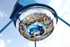 Al zittend op wolken je ijsje eten, lekker (3FM) Tags: music festival radio foto ben lowlands muziek ll12 tropisch acampingflighttolowlandsparadise biddinghuizen 3fm warmte houdijk spiegelbol fotobenhoudijk acampingflighttolowlandsparadise2012