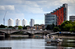 Putney Wharf Tower / Putney Bridge (George Rex) Tags: uk greatbritain england london thames architecture unitedkingdom britain gb riverthames putney putneybridge englishheritage josephbazalgette icl thamesbridge residentialtower putneywharftower gradeiilisted londonboroughofwandsworth spanbridge grade2listed pateltaylor grxa23 photographygeorgerex moedingalphatonterracottarainscreen georgerexphotography